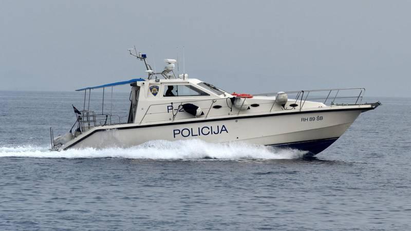 Mrtvog ribara i potonuli brod našli kraj Vele Luke. Policija: Ništa ne upućuje na zločin