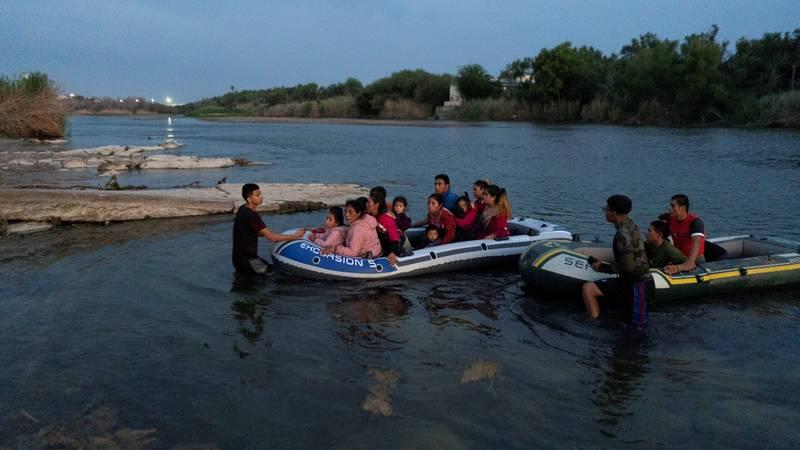 Deseci mrtvih na putu prema SAD-u: Našli 46 tijela migranata