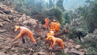 Gotovo 200 mrtvih u Indiji i u Nepalu u poplavama i odronima